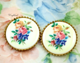 Ivory Base Pink & Yellow Roses Purple Iris 25mm RPFBC1 Vintage Plastic Flower Bouquet Round Cabochons - 2