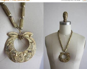 25% SALE 1970s bohemian brass necklace