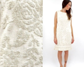 FALL SALE vintage 70s boho IVORY textured Floral knit Fringe dress M