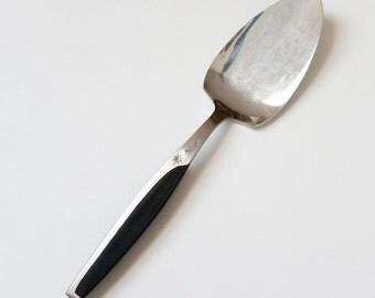 vintage 1950s dessert server mid century japan pie server stainless black molded handle - Pie Server