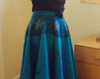 FUN Vintage Felt NOVELTY Mexician Painted Flirty Lady Carmen Miranda Fruit Basket Full Skirt