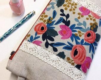 Les Fleurs floral and linen wristlet clutch with vintage lace