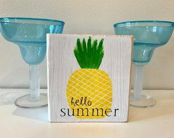 Hello Summer Shelf Sitter