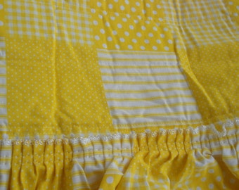1960s Vintage Bedspread Twin Yellow Ruffle Plaid