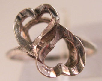 9KT WG Double Heart Ring Size 5 Vintage Jewelry Jewellery