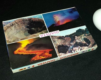 Vesuvio Souvenir Foldout Postcard Booklet / Fabulous Color Photo Postcards of Mt Vesuvius Volcano