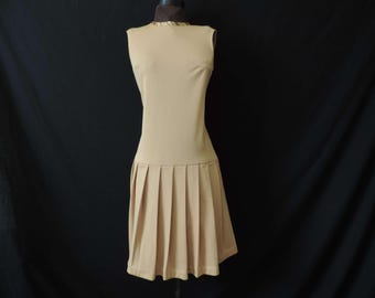 camel mod drop waist dress 60s sleeveless sporty dress pleated skirt large