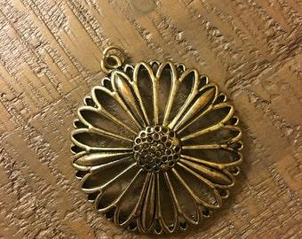 Jewelry pendant metal sunflower design
