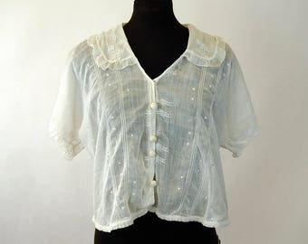 Edwardian blouse crocheted buttons loose fit embroidered cropped Size M