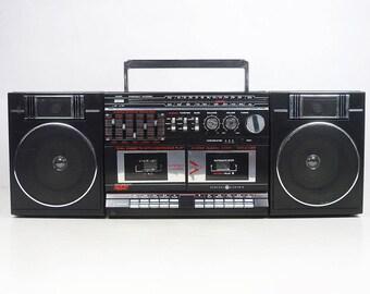 Vintage 80's GE boombox ghetto blaster cassette deck radio ghettoblaster