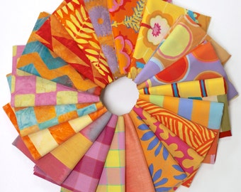 Kaffe Fassett - Artisan (warm) - Fat Quarter Fabric Bundle - 20 print/woven/batiks
