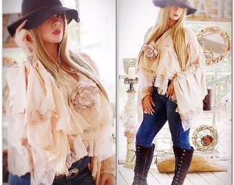 Med Stevie Nicks style lace poncho, nude blush free people gypsy soul crop poncho, Boho clothing, Shabby cottage chic, True rebel clothing