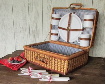 Vintage Picnic Basket - Red White and Blue