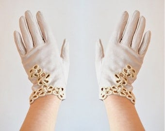 Vintage made in ITALY leather embroidered gloves