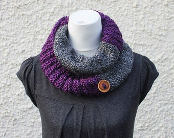 SCARF knit chunky, Gray and purple neckwarmer, infinity loop scarf, gift hor her, knitwear UK