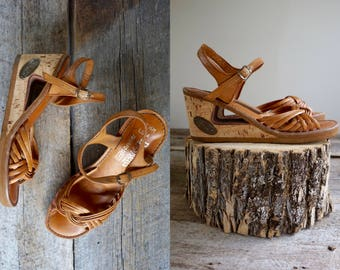 70s Wedge Sandals Sz 7.5  //  Cut Out Heel Sandals Size 7 1/2  //  THE MALIBU