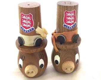 Wooden Pig Salt and Pepper Shakers, Vintage Souvenir from Jersey (F2)