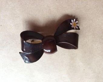 WEEKEND SALE ! vintage 1960's ribbon brooch / pin / painted enamel / mod retro jewelry