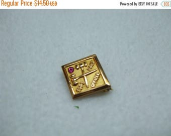 SALE 50% OFF L.G. Balfour Company pin commemorative rhinestone goldtone 10kgf with rhinestone