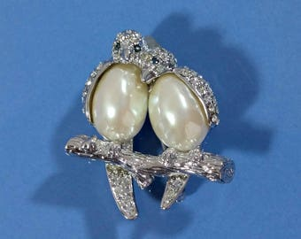 Vintage Carolee Brooch Lovebirds Love Birds Silver with Clear Rhinestones Blue Eyes White Pearl Bodies Well Made Classy Lovely Designer Pin