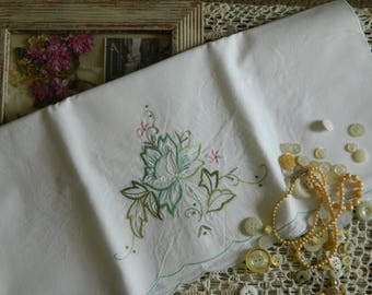 Sweet Embroidered Pillowcase #122
