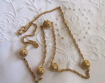 Vintage Gold Tone Chain Necklace with Large Openwork Bead Accents