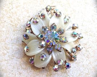 Flower Rhinestone Brooch, Vintage Jewelry Pin/Brooch