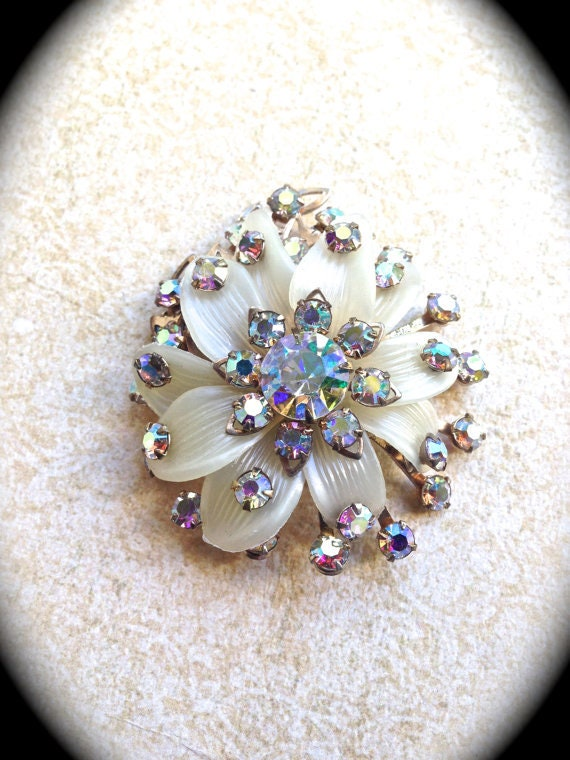 Flower Rhinestone Brooch, Vintage Jewelry Pin/Brooch