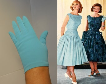 Crystal Blue Holiday Waters - Vintage 1950s Grandoe Turquoise Nylon Just to the Wrist Gloves - 6/6.5