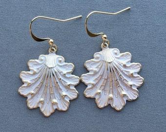 Shell Earrings - Seashell Earrings - Beach Earrings - Ocean Earrings - Ocean Jewelry - Beach Jewelry - White Earrings - Boho Earrings
