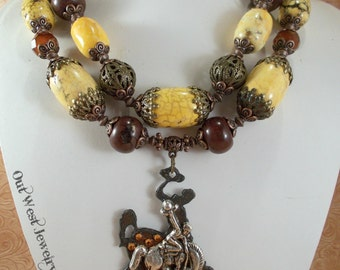 Chunky Western Cowgirl Statement Necklace Set - Yellow and Brown Howlite - Wyoming Bucking Horse Pendant