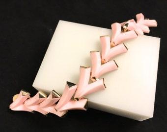 Trifari Bracelet, Vintage Jewelry, Valencia Bracelet, Signed Trifari Jewelry, Pink Bracelet, Retro Bracelet Pink Mid Century Lucite Jewelry