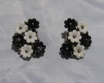 Vintage Black and White Earrings, Clip
