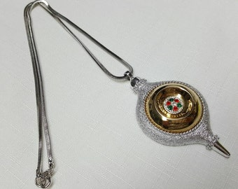 Sarah Coventry Bulb  Necklace Pendant 1976 limited  edition Holiday Tree Bulb