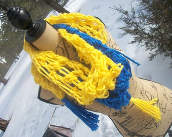 Blue & Yellow Shortsie Shawl