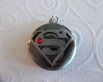 Superman Locket - D.C. Comics Originals - Silver Grey with Red Rhinestone - Superman Shield Logo on Inside Cover - Qty 1