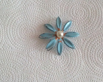 Vintage blue flower pin 1960's