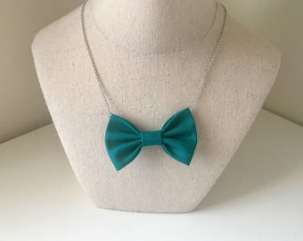 Emerald Green - Bow Tie Necklace, Women Chain Bowtie, No Collar Needed, Bow Tie Pendant, Custom Accessory for Girls, Christmas Gift