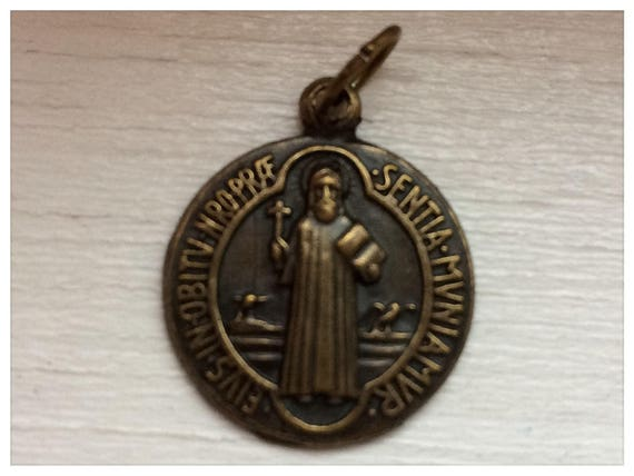 5 Patron Saint Medal Findings, St. Benedict, Die Cast Plate, Large Round, Bronze Color, Oxidized Metal, Made in Italy, Charm, Drop, RM213