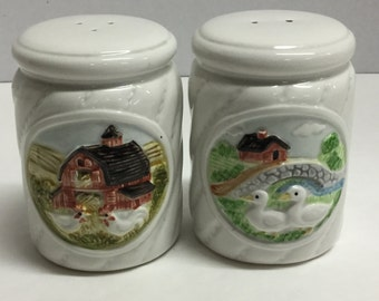 Vintage Salt and Pepper Shakers Gibson Greeting Cards Farm Scene Ducks Chickens Farm Life Made in Japan