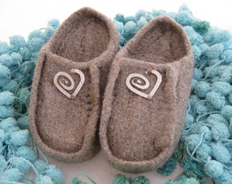 Taupe Wool Knit Felted Moccasin Clog Slipper, Ladies Sizes 5 6 7 8 9 10, Made to Order, Slip in Moc, Cozy Handmade House Slippers, mules