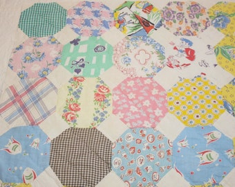 Charming Snowball Pattern Feed Sack Vintage Quilt Piece - 22 by 22 Inches