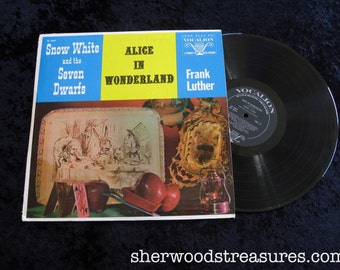 Snow White Alice In Wonderland VINYL lp record Frank Luther Vocation NM- super clean