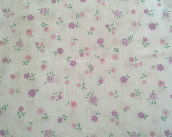 Lightweight Purple Floral Calico 1 Yard Cotton Polyester Blend Fabric X0713