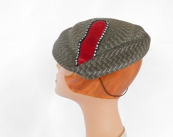 Womans tilt hat, vintage 1940s, gray with red rhinestone accent, Doris Designed