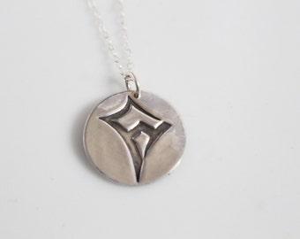 Kappa Alpha Theta Kite Logo Necklace in Silver // Theta Necklace / ΚΑΘ Kite Necklace // Sorority Necklace /Senior Gift / Bid Day Gift /