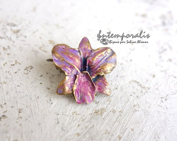 Gold bronze and resin orchid brooch, OOAK, SABRO04