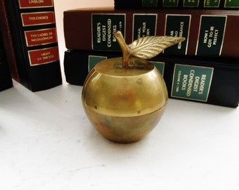 Vintage Brass Apple Box, Cottage Chic, Farmhouse Chic Fruit, Brass Trinket Box, Home Office Decor