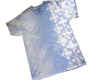 XL Light Denim Blue T-shirt with Square Fleur pattern - Blue ComFeeTee - Handpainted Tshirt - Bleached tshirt