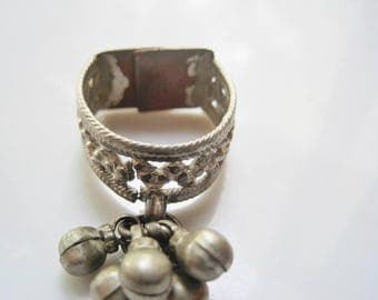 Indian Toe Ring with Bell Dangles, Rajasthan Silver, Flat Bottomed Band, Tribal Jewelry